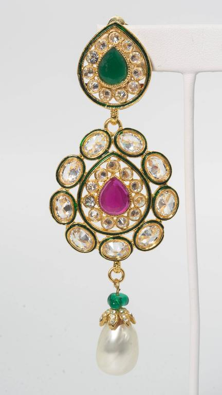 Fabulous Jewels of India Maharani Glamor Necklace and Earclips In Excellent Condition For Sale In New York, NY