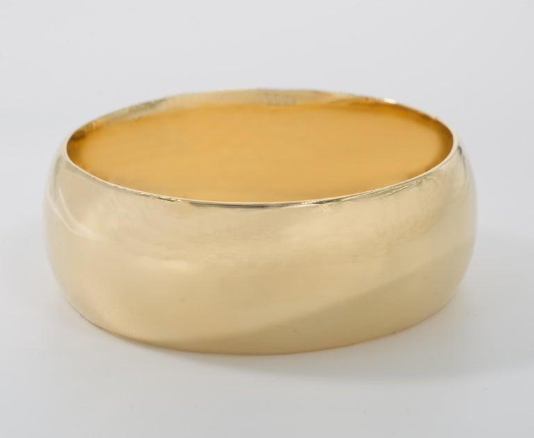 Women's Micheletto Italian Handmade Gold Vermeil Sterling Bold Duomo Bangle For Sale