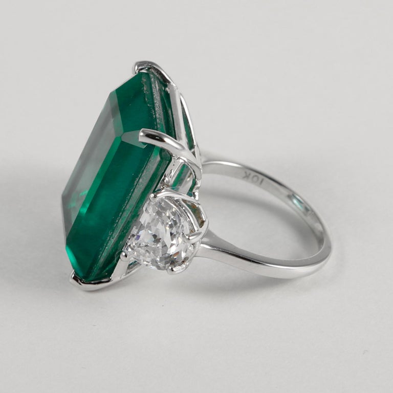 20 Carat Synthetic Rectangular Step Cut Green Emerald Cubic Zirconia Gold Ring 4
