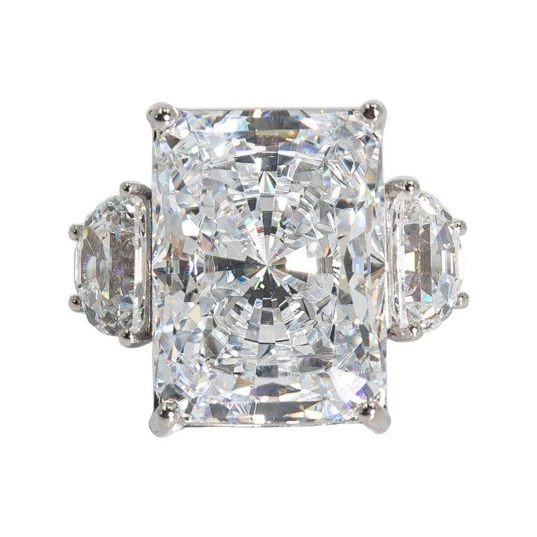 25 Carat White Radiant Cut Cubic Zirconia White Gold Ring In New Condition For Sale In New York, NY