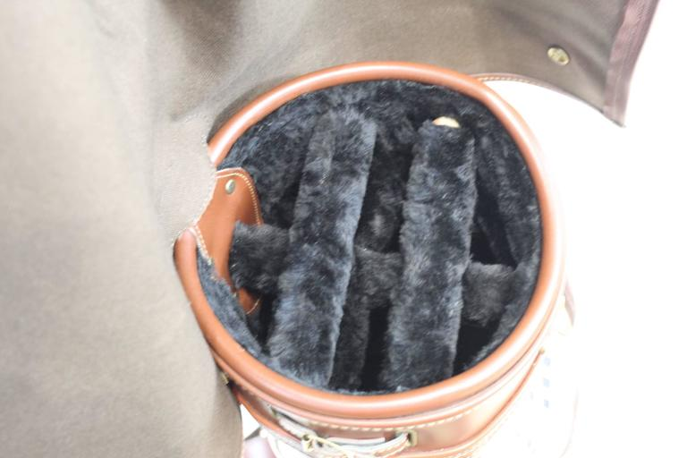 5667e0b26880 Women s or Men s Vintage Burberry Check Pattern Golf Bag For Sale
