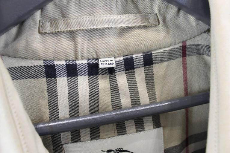 Brown Burberry Mens Trench Coat. Size European 52 For Sale 755ba8d2a3f