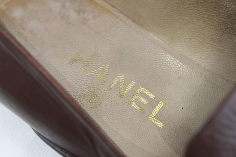 Chanel 2.55 Shoes in Brown Leather In Fair Condition For Sale In Paris, FR