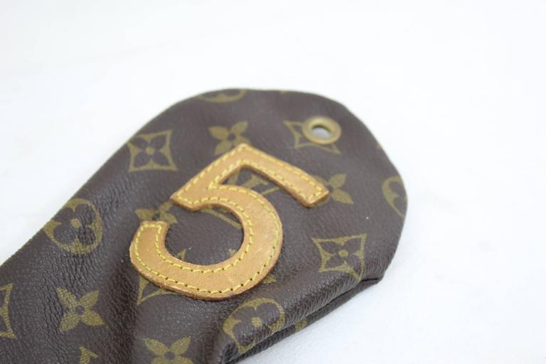 Nice Louis Vuitton golf club cover  Good condition some signs of wear due to its age.