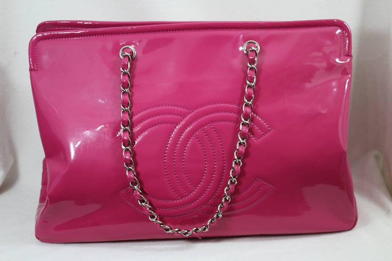 b744516e8c29 Lovely Chanel Flashy Patented Leather Pink Bag. Big size For Sale 3