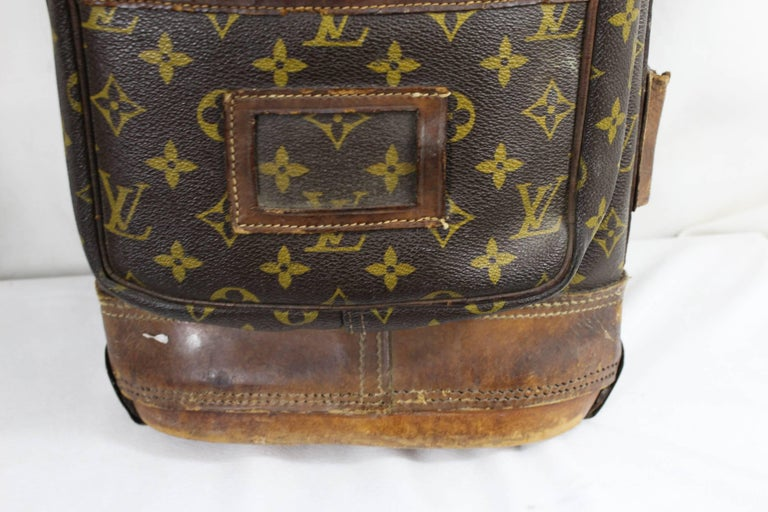 Gray Really Used Vintage Louis Vuitton Golf Club Bag in Monogram Canvas.  For Sale