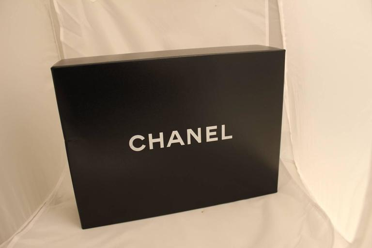 Chanel 2.55 Double Flap bag with golden hardware In Good Condition For Sale In Paris, FR