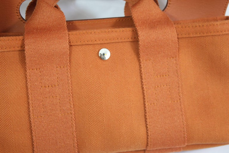 Really nice mini Valparaiso bag in leather and canvas.  Really good conidtion  Size 12.5x5.5 inches