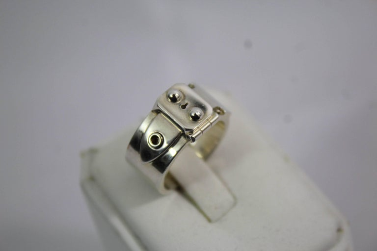 Hermes Good Lock ring in sterling silve. Size french 55  rare, ring like the clasp of the sac a depeches  good condition, some small signs of wear