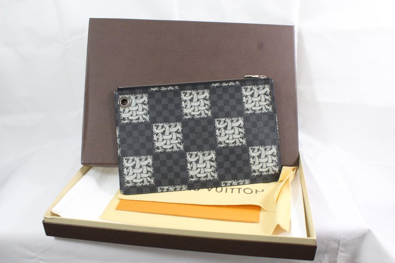 Men's Louis Vuitton Collectible Damier Graphite Cristopher Memeth Clutch  Comes with box, dusst bag and invoece.  Size: 10.5x7.5 inches