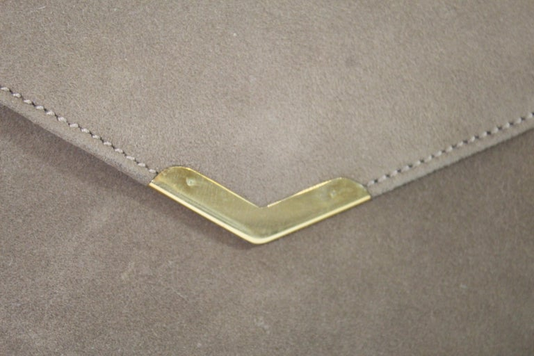 Hermes 60's vintage small clutch. clasp in 18k solid gold Good vintage condition Size aprox 20 cm