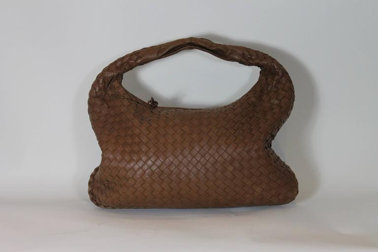 Brown Bottega Veneta Camel medium Intrecciato Leather Shoulder Bag For Sale
