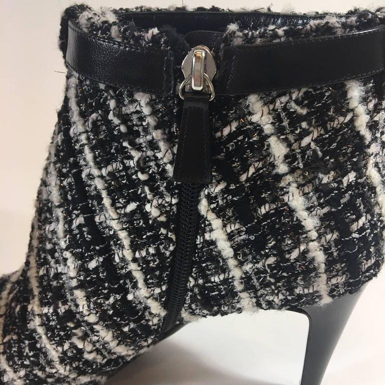 Chanel Tweed Boucle Ankle Boots In New never worn Condition For Sale In Roslyn, NY