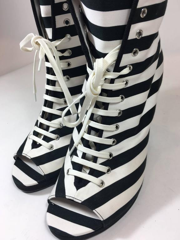 Chanel Lace-Up Black and White Wedges In New Never_worn Condition For Sale In Roslyn, NY