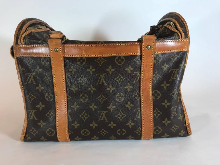 Louis Vuitton Dog Carrier Monogram Canvas 40 In Good Condition For Sale In Roslyn, NY