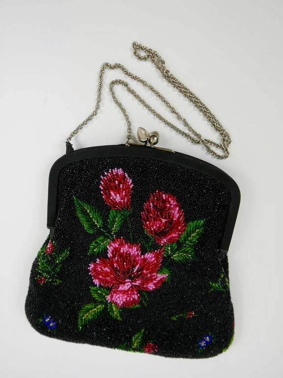 1950s PIROVANO Italian Couture Floral Embroidered Beadeds Purse Handbag In Excellent Condition For Sale In Milan, IT