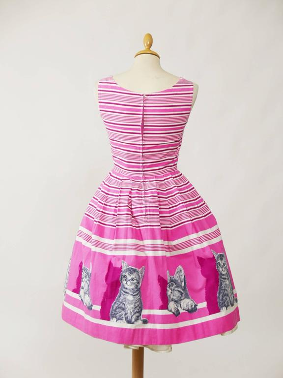 1950s Vintage Kittens Novelty Print Striped Pink Dress 3