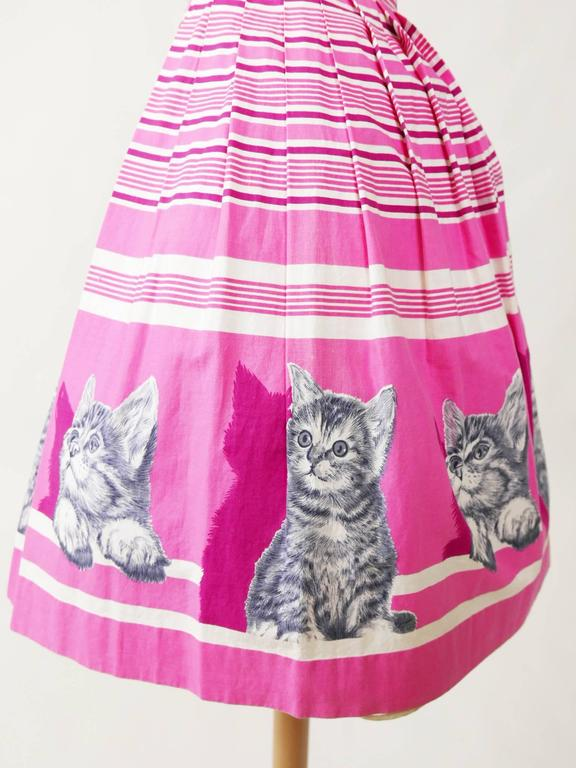 1950s Vintage Kittens Novelty Print Striped Pink Dress 5