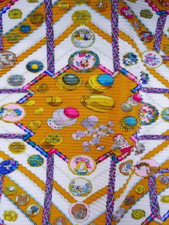 "1980s HERMÈS ""Petite Main"" Silk Plisse Pleated Scarf 2"