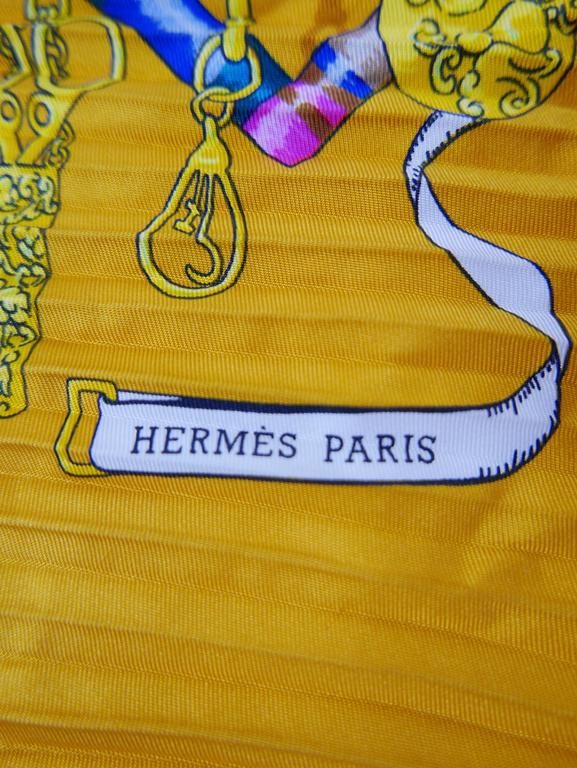"1980s HERMÈS ""Petite Main"" Silk Plisse Pleated Scarf 7"