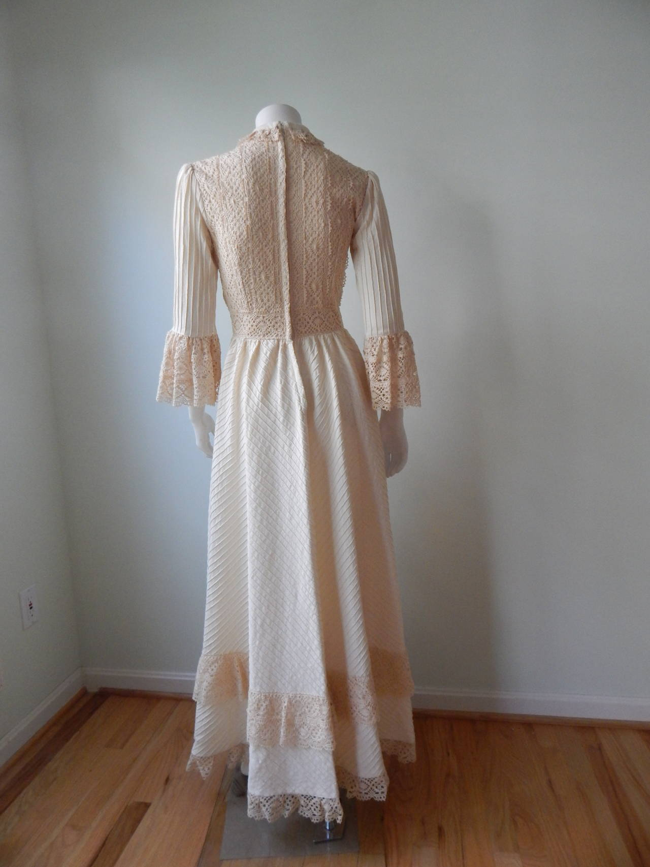 1970s Mexican Wedding Dress 4