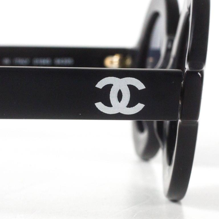 5dd363f558 Chanel Black Vintage Round Sunglasses