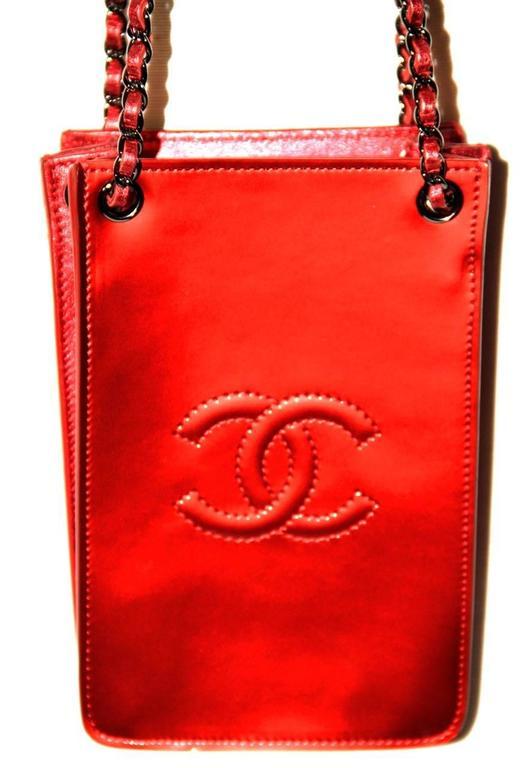 Chanel Runway Smartphone Case Bag Red Metallic Color - 2014 - NEVER WORN 5