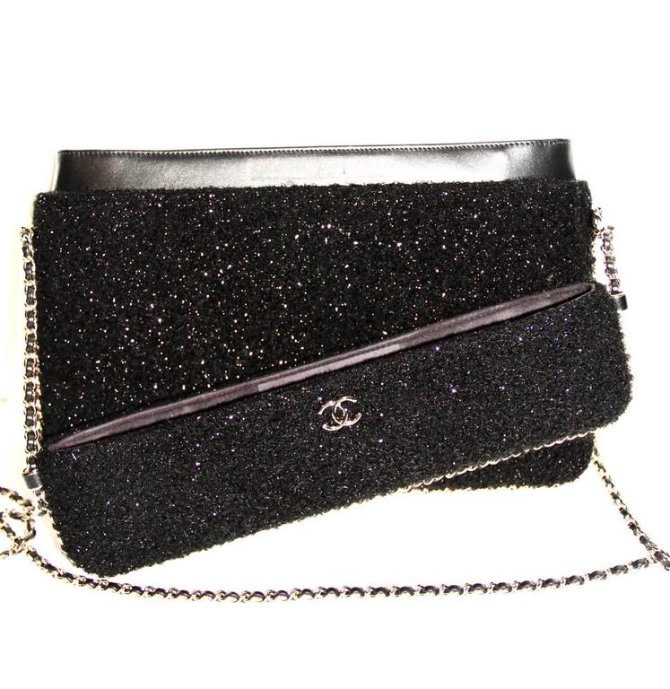 Chanel Black Tweed Crossbody Bag - Runway Fall/Winter 2016 - NEVER WORN 2