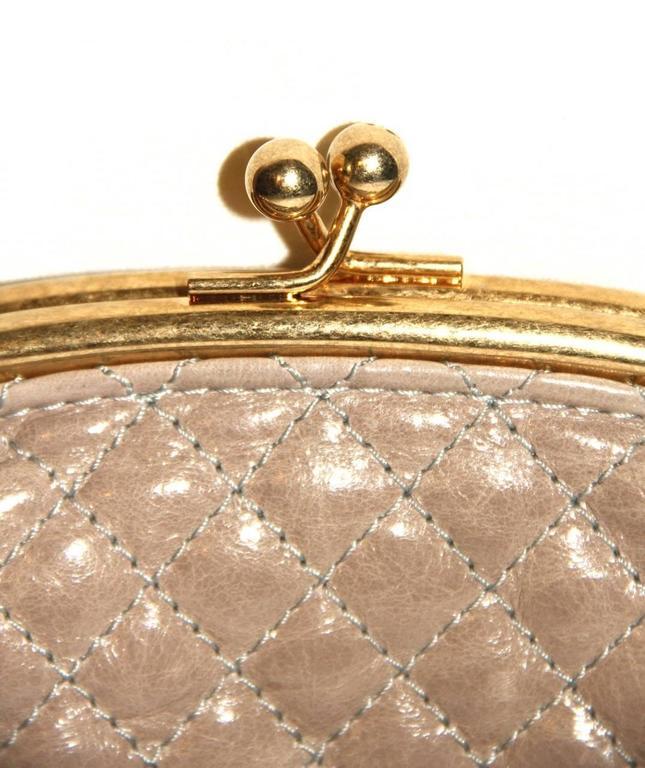"Chanel Wool ""Tabatière"" Kisslock Clutch - Beige - Pristine Condition 3"