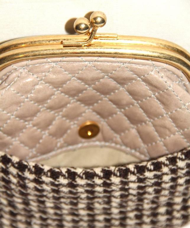 "Chanel Wool ""Tabatière"" Kisslock Clutch - Beige - Pristine Condition 2"