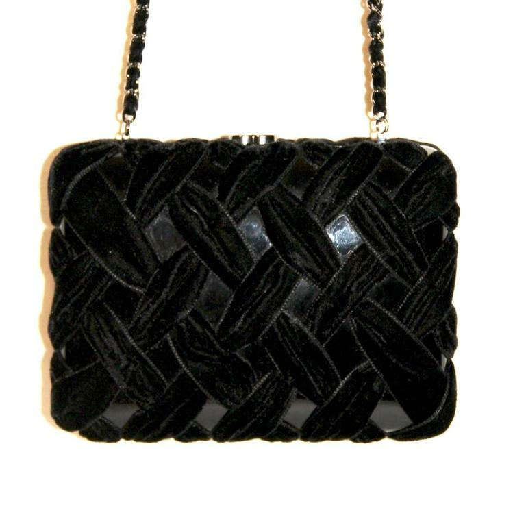 Chanel Black Evening Clutch - Velvet and Resin - CC Lock - Excellent Condition 3