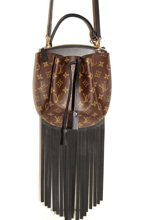 "Bien connu Louis Vuitton ""Fringed Noe"" Bag - Monogram Crossbody Bag - 2017  UP04"