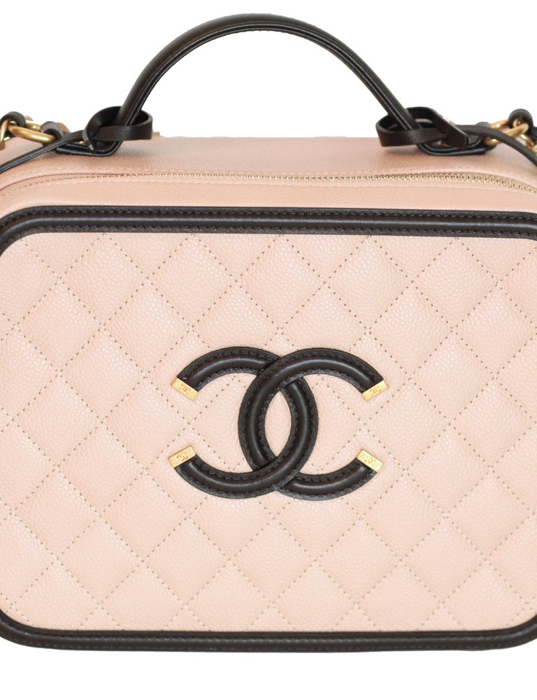 417298f94562f1 CHANEL CC Filigree Vanity Case Nude / Black Grained Leather For Sale 4