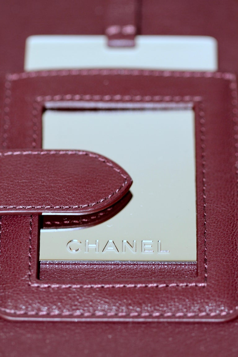 d27507d0b69c6c CHANEL CC Filigree Vanity Case Nude / Black Grained Leather For Sale 14