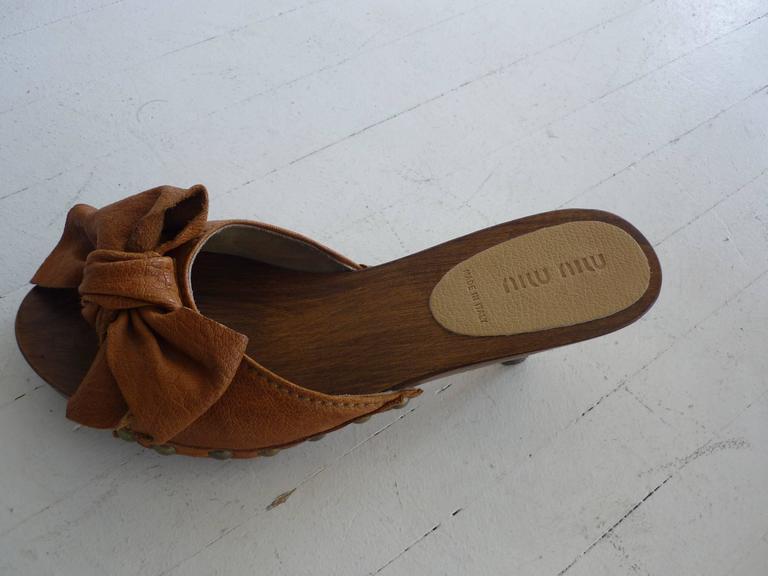 Brown Miu Miu Tan Leather Studded Clogs 371/2 For Sale
