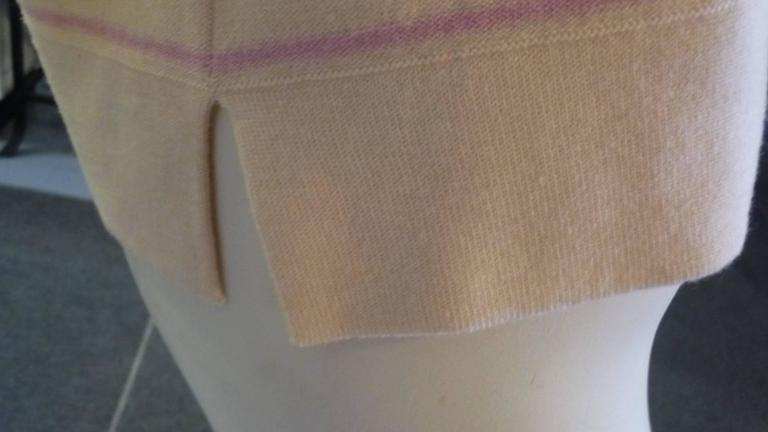 Sonia Rykiel Cream with Pink Stripes Wool Sweater (42 ITL) In New Condition For Sale In Port Hope, ON