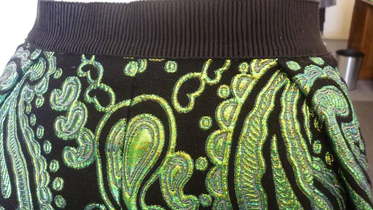 Marc Jacobs Black and Green Paisley Metallic Jacquard Skirt (10US) In Excellent Condition For Sale In Port Hope, ON