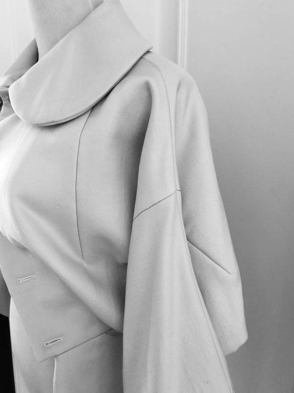 Comme des Garcons Cream Bolero Jacket  L. In Excellent Condition For Sale In Toronto, CA