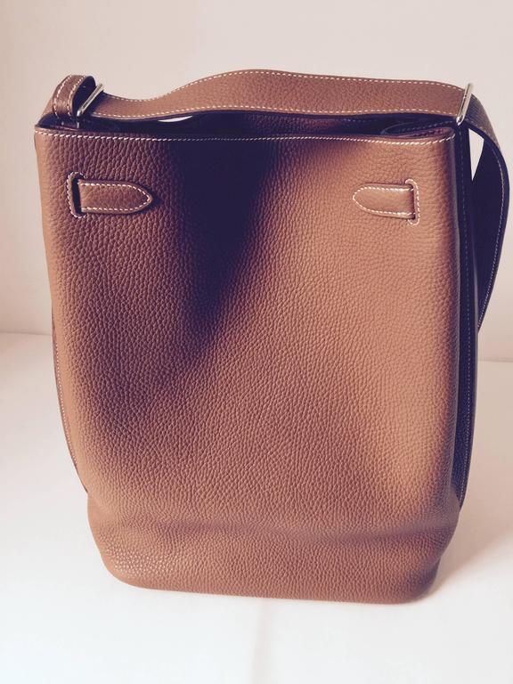 dc7dfdb310f2 Hermes So Kelly Gold 26 Shoulder Bag at 1stdibs