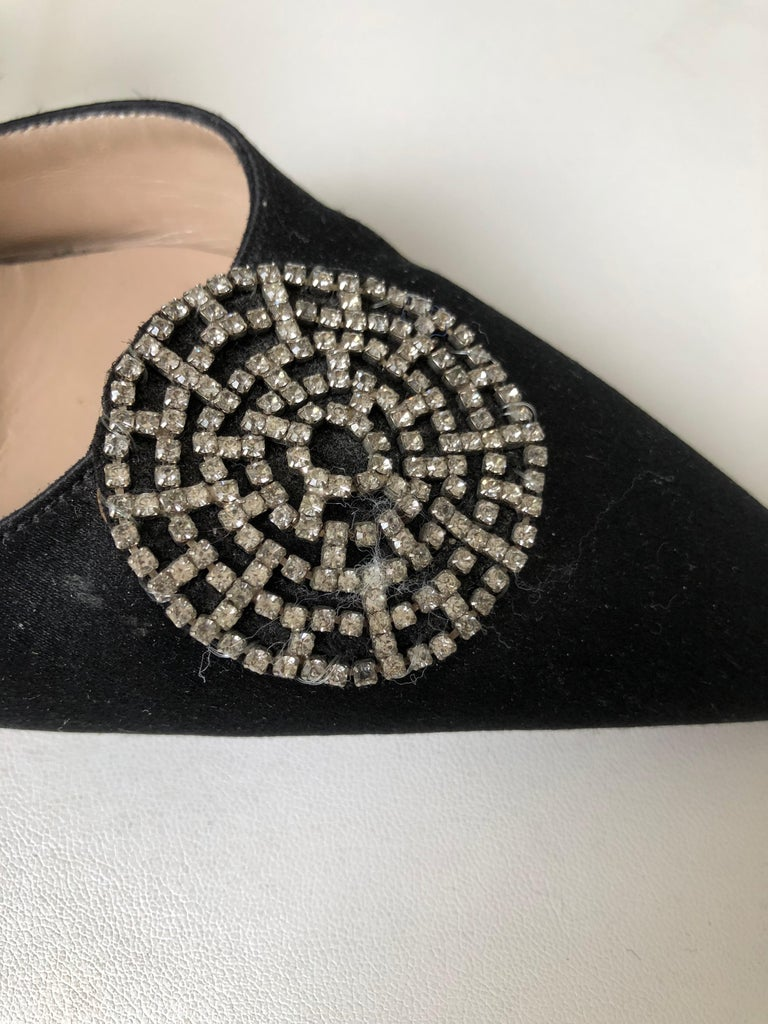 Embellished Manolo Blahnik mules, pointed toes. Princess shoes.
