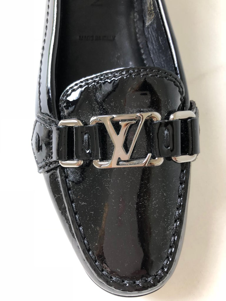 Black Louis Vuitton Patent  Leather Logo Flats 81/2 For Sale