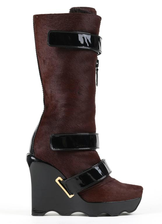 LOUIS VUITTON Brown Calf Hair Patent Wedge Platform Runway Boots F/W 06 Rare  For Sale 3