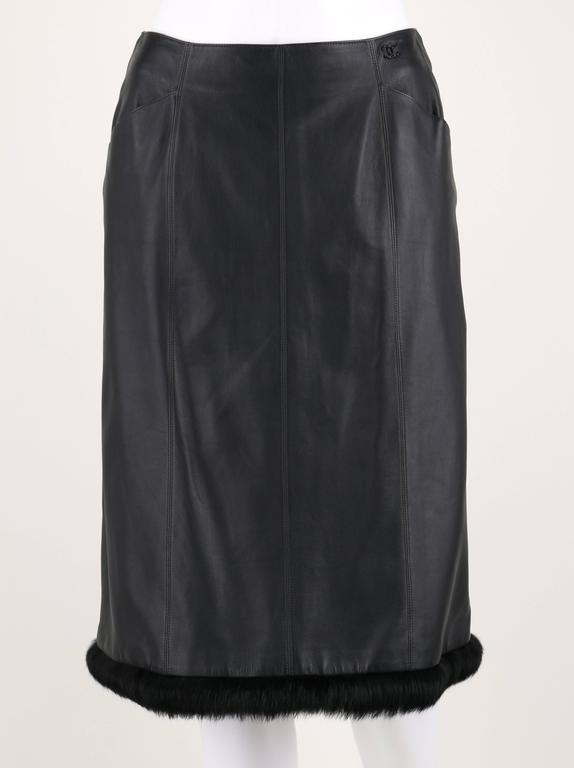CHANEL 2 Pc Black Lambskin Leather Fur Trim Blazer Skirt Suit Set SZ 38 / 40 02A For Sale 2