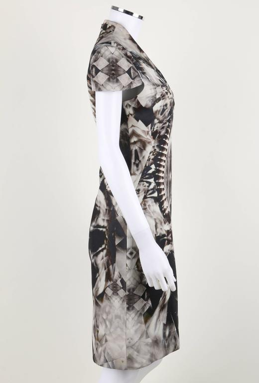 ALEXANDER McQUEEN S/S 2009 Iconic Skeleton Kaleidoscope Print Dress Size 44 In New Condition For Sale In Thiensville, WI