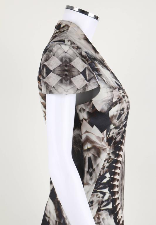 ALEXANDER McQUEEN S/S 2009 Iconic Skeleton Kaleidoscope Print Dress Size 44 For Sale 4