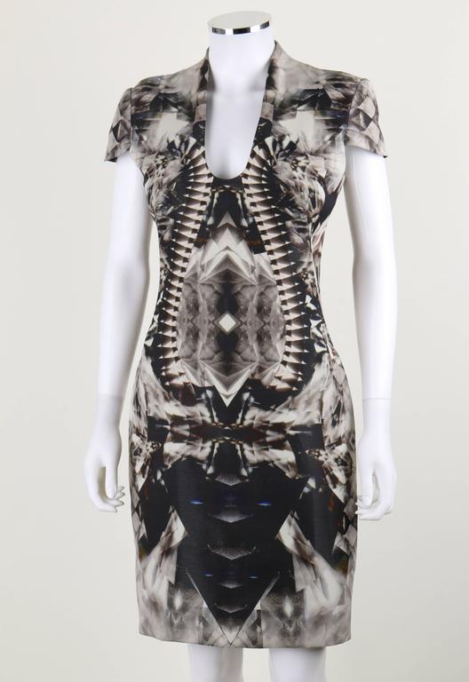 ALEXANDER McQUEEN S/S 2009 Iconic Skeleton Kaleidoscope Print Dress Size 44 For Sale 1