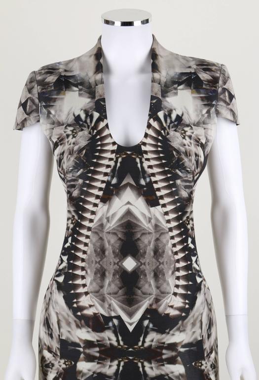 ALEXANDER McQUEEN S/S 2009 Iconic Skeleton Kaleidoscope Print Dress Size 44 For Sale 3