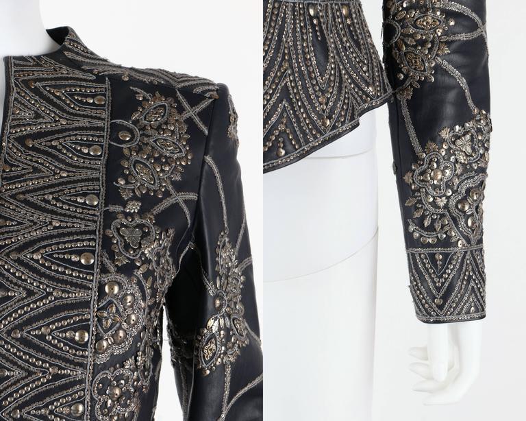 OSCAR de la RENTA A/W 2006 Navy Leather Royal Embellished Jacket Blazer Size 4 For Sale 2
