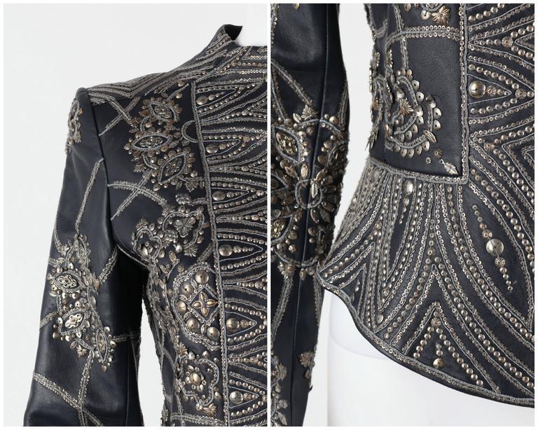 OSCAR de la RENTA A/W 2006 Navy Leather Royal Embellished Jacket Blazer Size 4 For Sale 1
