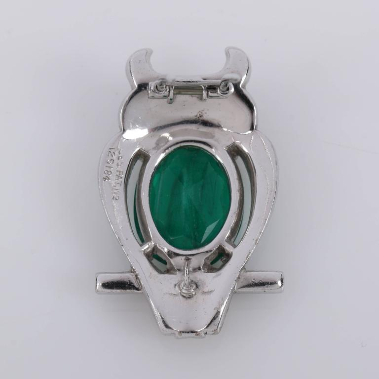 c.1941 CROWN TRIFARI Alfred Phillipe Emerald Owl Jelly Belly Fur Clip Brooch For Sale 2